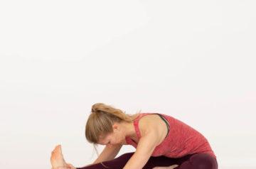 ラブレターD16 片足前屈のポーズ(Janu Sirsasana)